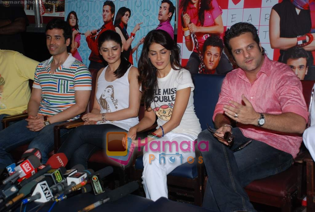 Tusshar Kapoor, Prachi Desai, Genelia D Souza, Fardeen Khan sell the tickets to promote the film in Galaxy, Bandra on 17th Aug 2009