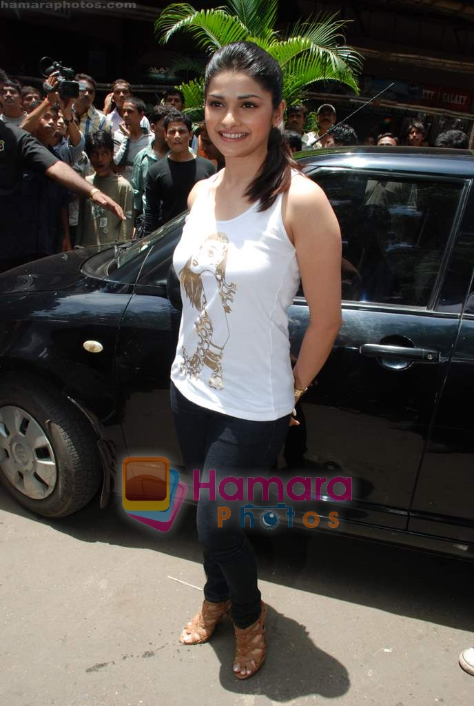 Prachi Desai sell the tickets to promote the film in Galaxy, Bandra on 17th Aug 2009