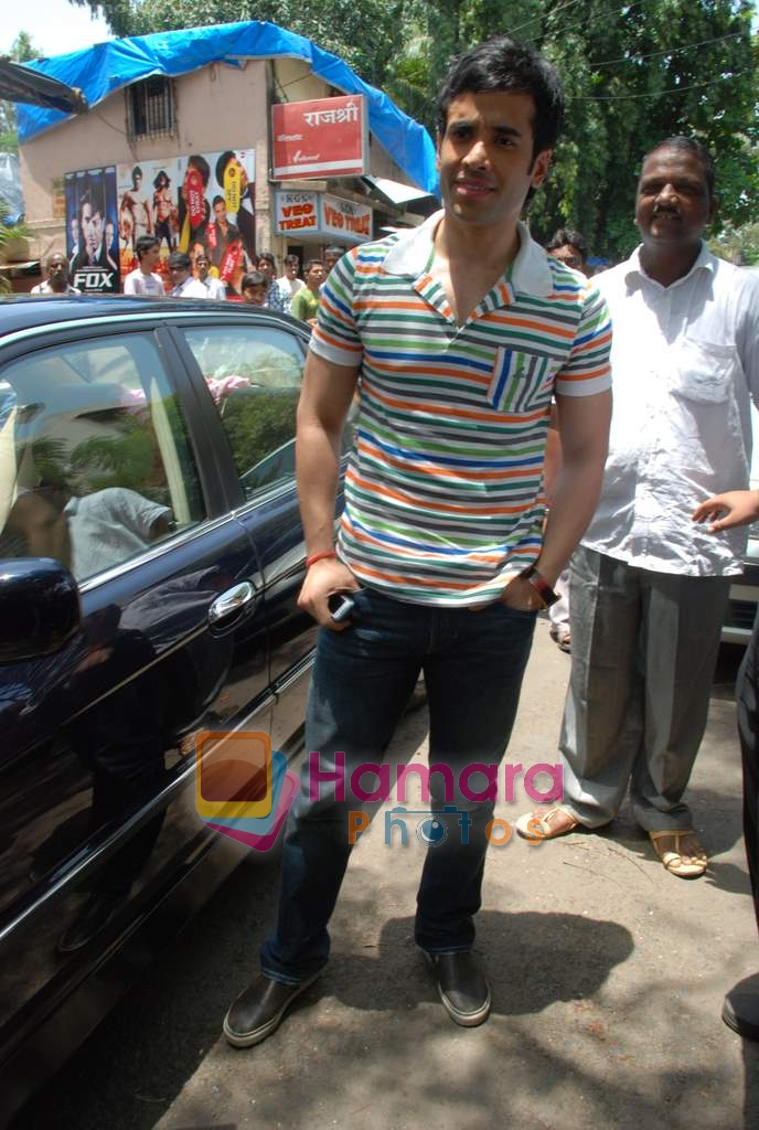 Tusshar Kapoor sell the tickets to promote the film in Galaxy, Bandra on 17th Aug 2009
