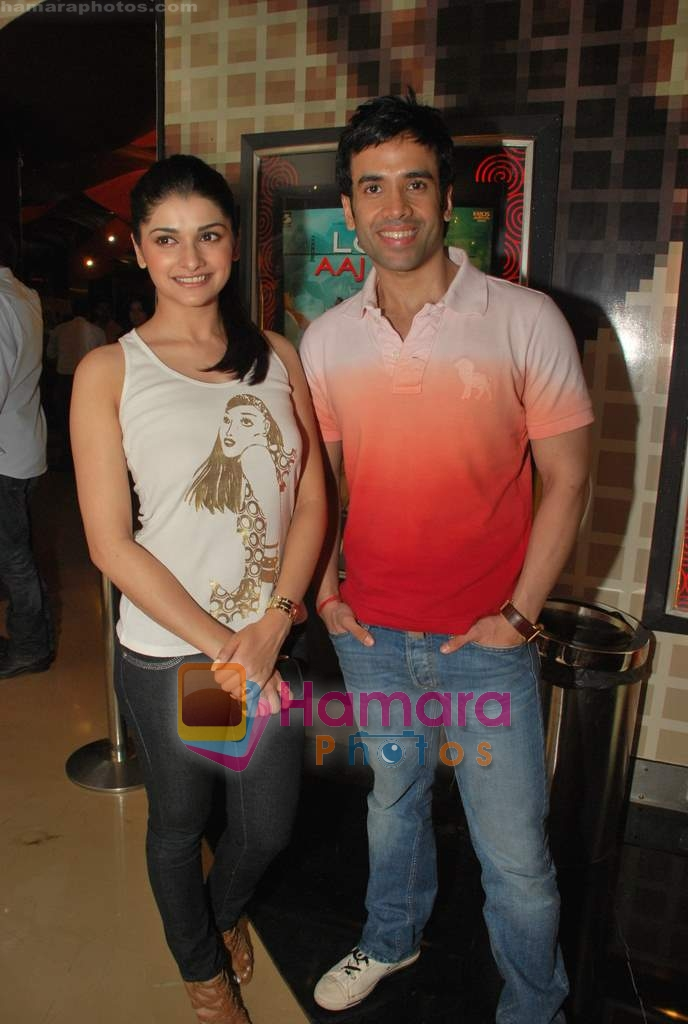 Tusshar Kapoor, Prachi Desai at the Special screening of Life Partner in PVR on 17th Aug 2009