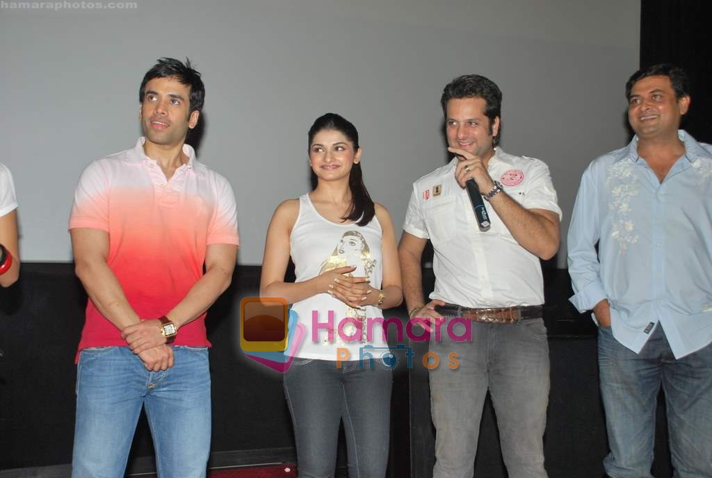 Tusshar Kapoor, Prachi Desai, Fardeen Khan at the Special screening of Life Partner in PVR on 17th Aug 2009