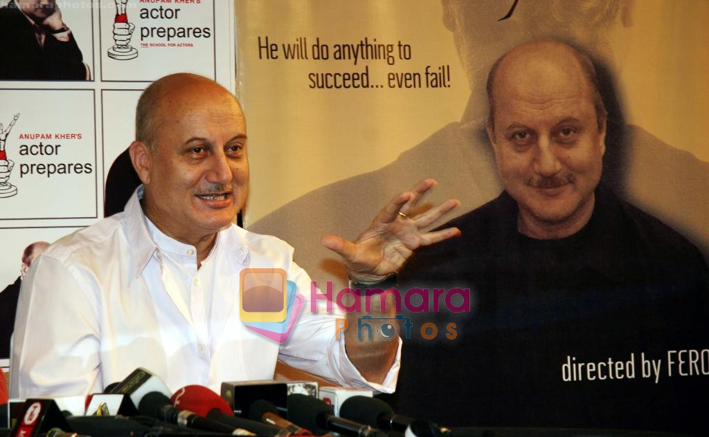 Anupam Kher at 200th performance of Kuchh Bhi HI Sakta Hai 1 act play in Actore Preapres, Santacruz on 28th Dec 2009