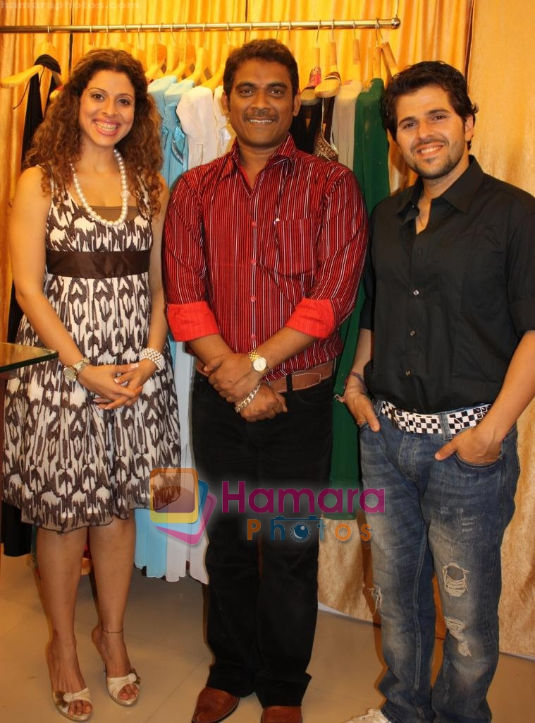 Tanaaz and Bhaktiyar Irani at the Launch of Fash N Trends store in Bandra on 29th Dec 2009