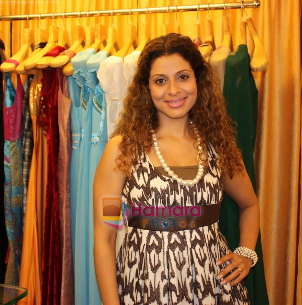 Tanaaz Irani at the Launch of Fash N Trends store in Bandra on 29th Dec 2009