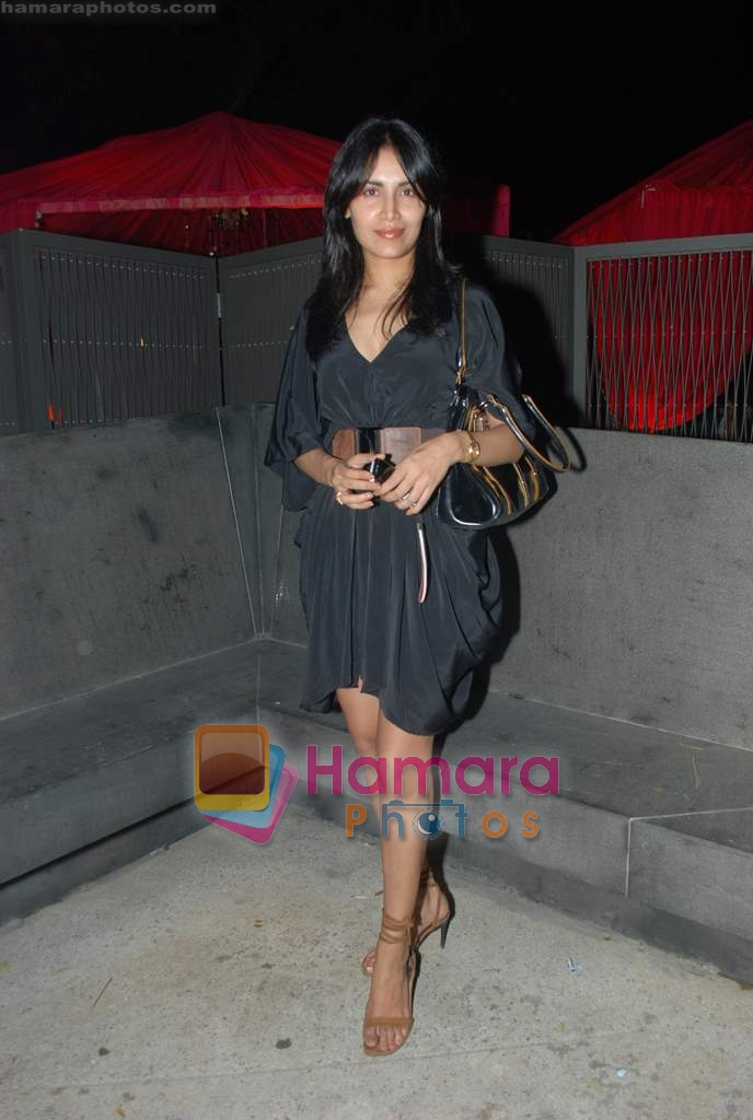 Tapur Chatterjee at Rishi Darda's annual bash in Tote, Worli on 29th Dec 2009