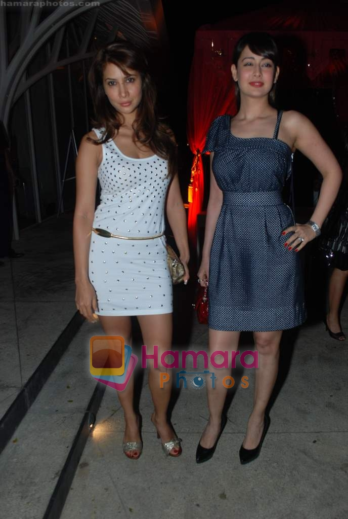 Kim Sharma, Preeti Jhangiani at Rishi Darda's annual bash in Tote, Worli on 29th Dec 2009