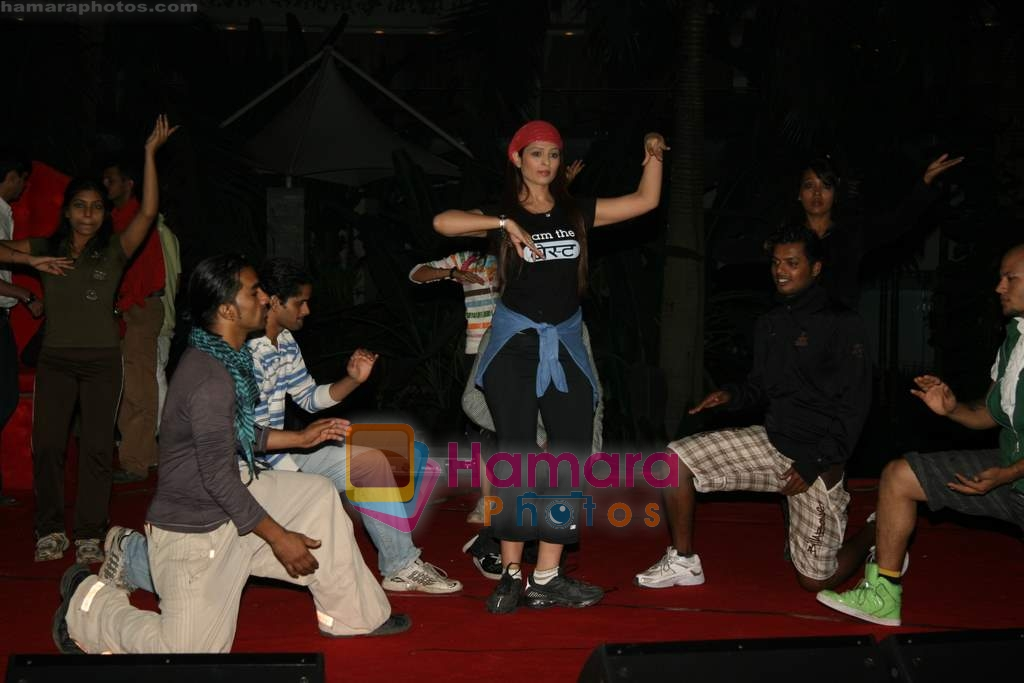 Anjana Sukhani practises for Seduction 2010 show in Sahara Star on 30th Dec 2009