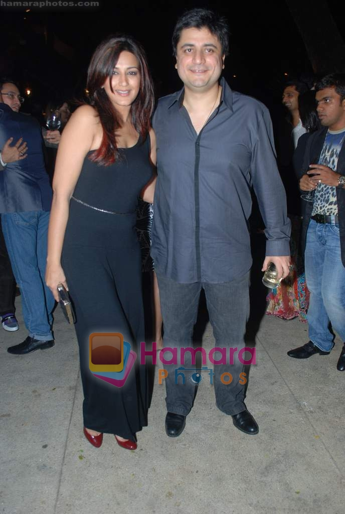 Sonali Bendre at Rishi Darda's annual bash in Tote, Worli on 29th Dec 2009