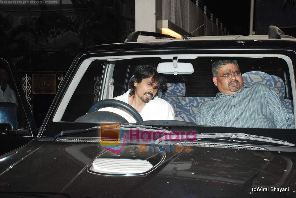 Nagesh Kukunoor at Shamita Shetty's birthday bash hosted by Raj and Shilpa Shetty in their Juhu home on 1st Jan 2010