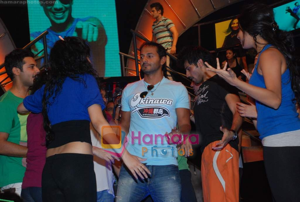 Nikhil Chinnapa at MTV VJ Hunt with old and new djs in Lower Parel office on 26th Feb 2010