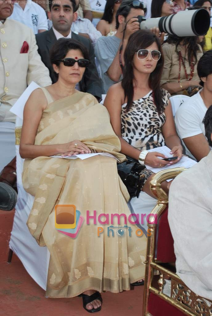 Neetu Chandra at D B Realty Southern Command Polo Cup Match in Mahalaxmi Race Coarse on 27th March 2010