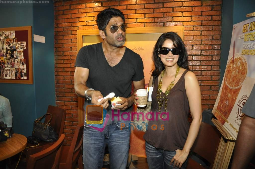 Vidya Malvade, Sunil Shetty at Tum Milo toh Sahi media meet in Bandra on 29th March 2010