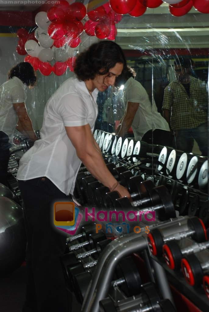 Tiger Shroff at the launch of  Snap 24-7 Gym in Malad, Near Croma on 29th March 2010