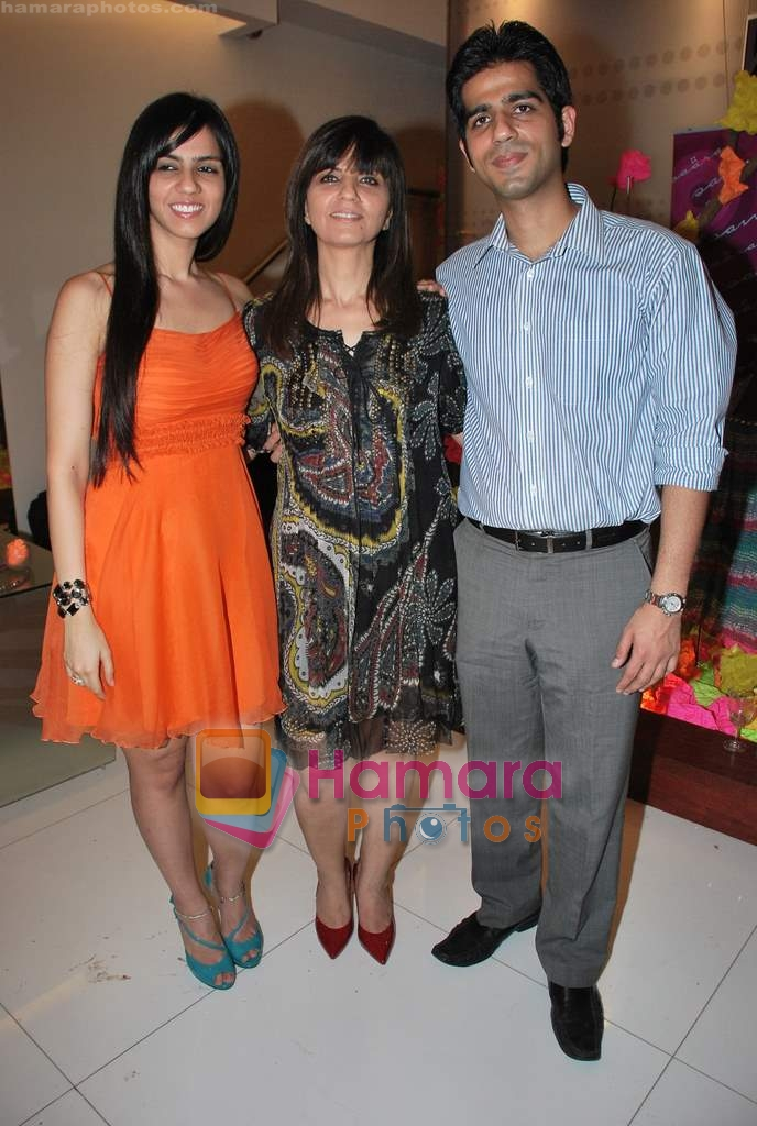 Neeta Lulla, Nishka Lulla at Neeta Nishka Lulla summer preview in Samsara on 29th March 2010