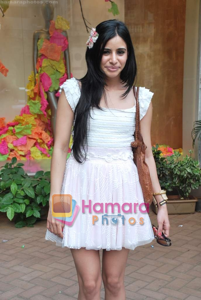 Soniya Mehra at Neeta Nishka Lulla summer preview in Samsara on 29th March 2010