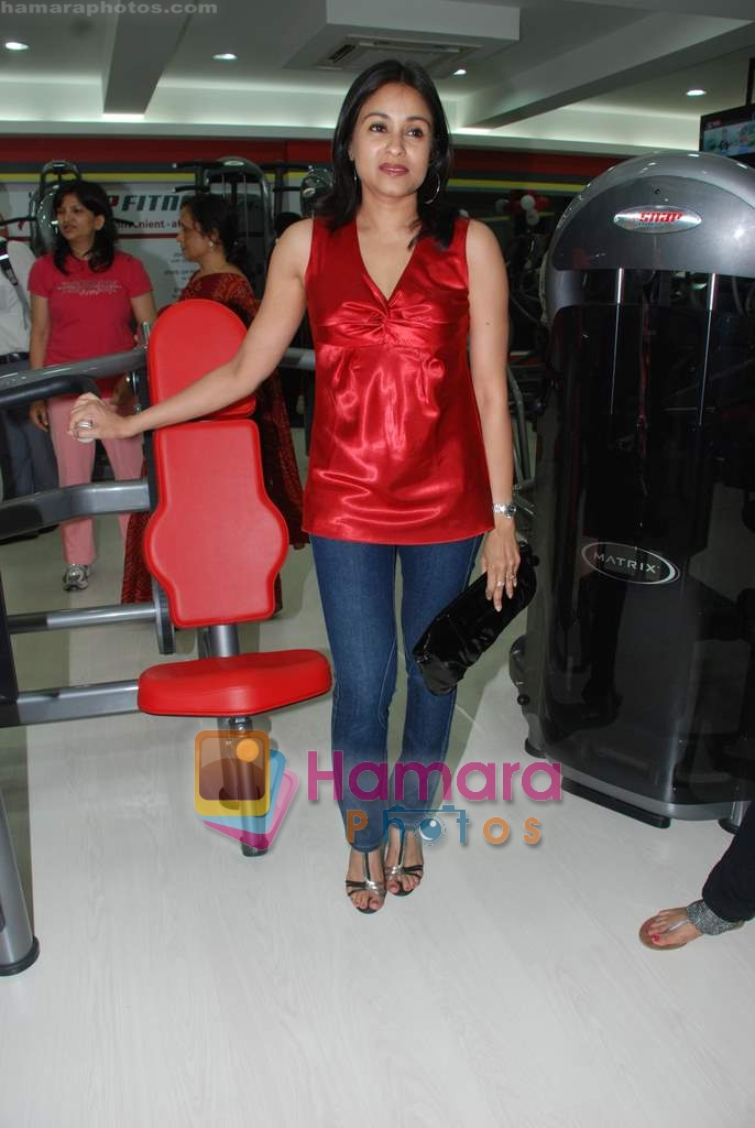 at the launch of  Snap 24-7 Gym in Malad, Near Croma on 29th March 2010