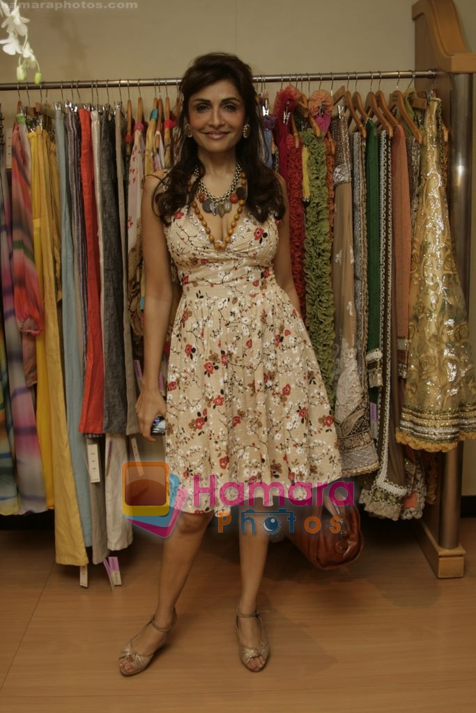 Queenie Dhody at Maheka Mirpuri's Summer white collection launch in Prabhadevi, Mumbai on 30th March 2010