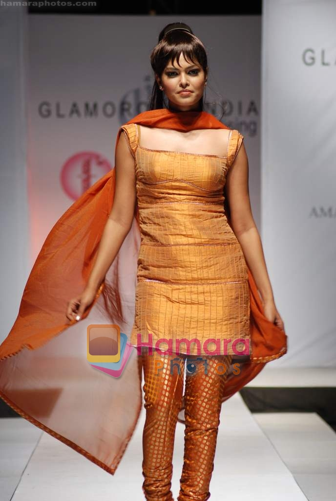 Model walks the ramp for Umair Zafar show in Rennaisance Club on 31st March 2010