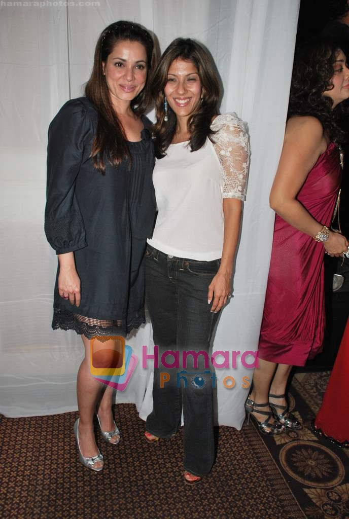 Neelam Kothari at Neelam and Nriti Shah Show on 1st April 2010