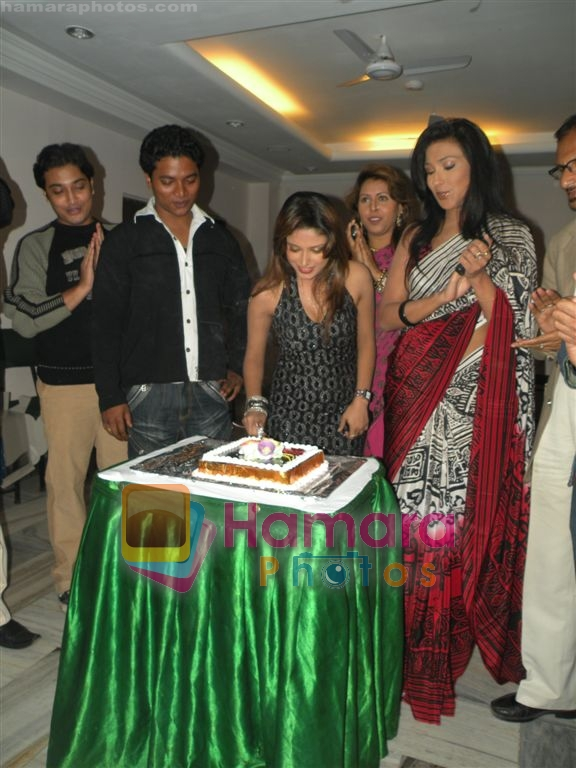 Rituparna Sengupta at Sneha Paul's Birthday Party on 1st April 2010