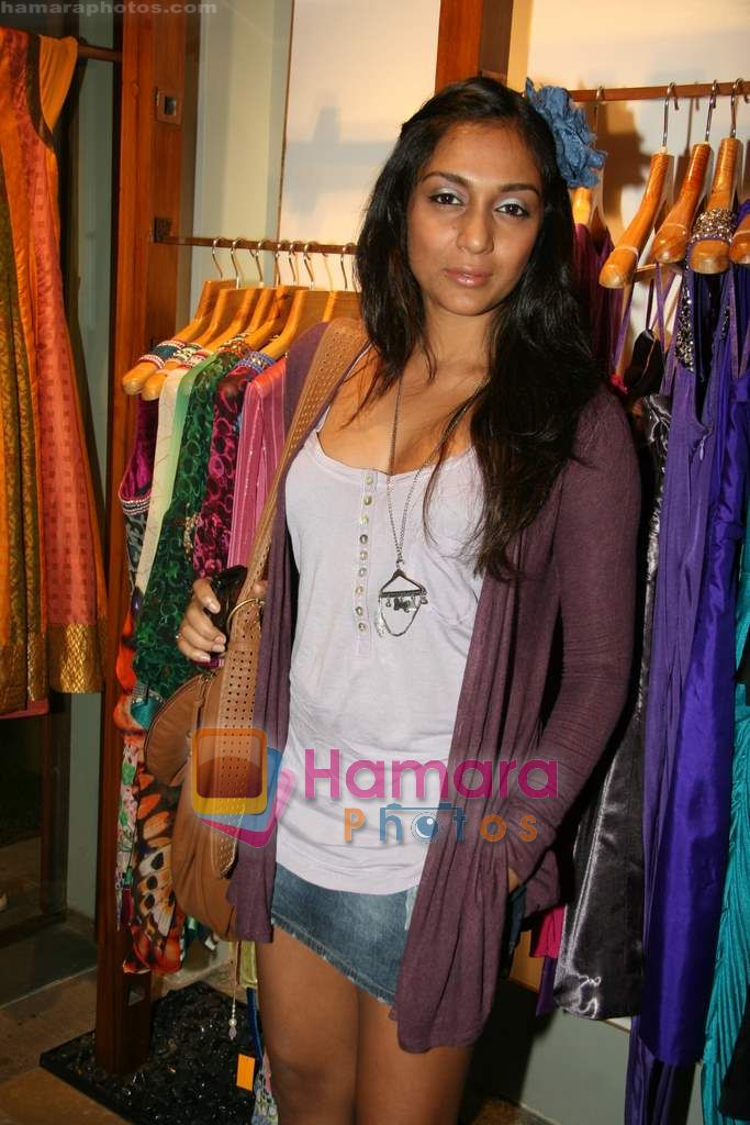 Shweta Salve at Fuel's festive collection hosted by Manish Goel in Bandra on 14th Sept 2010
