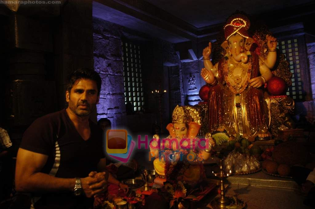 Sunil Shetty at Ganpati Celebrations in Mumbai on 14th Sept 2010