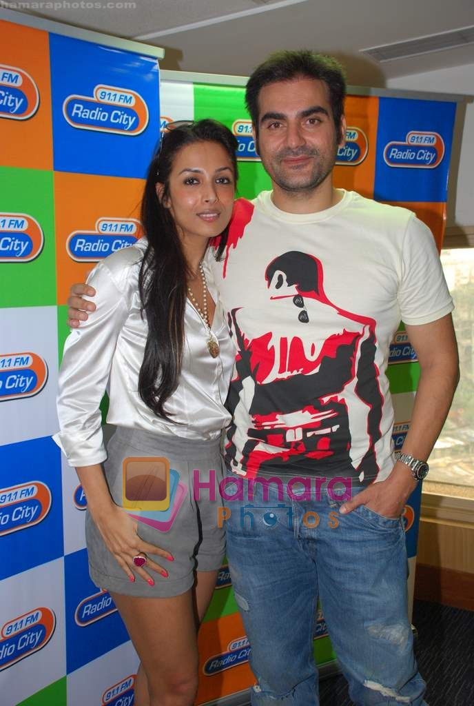 Arbaaz Khan, Malaika Arora Khan at Radio City in Bandra on 15th Sept 2010