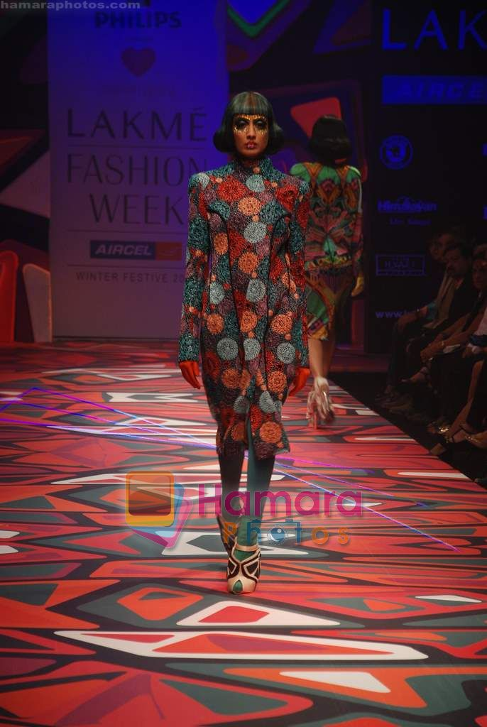 Model walks the ramp for Manish Arora Show at Lakme Winter fashion week day 1 on 17th Sept 2010