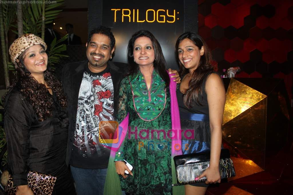Shankar Mahadevan at Shabana Azmi's 60th birthday bash in Juhu, Mumbai on 18th Sept 2010