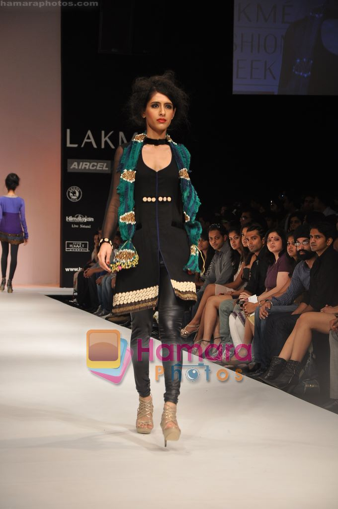 Model walks the ramp for Nandita Thirani Show at Lakme Winter fashion week day 3 on 19th Sept 2010