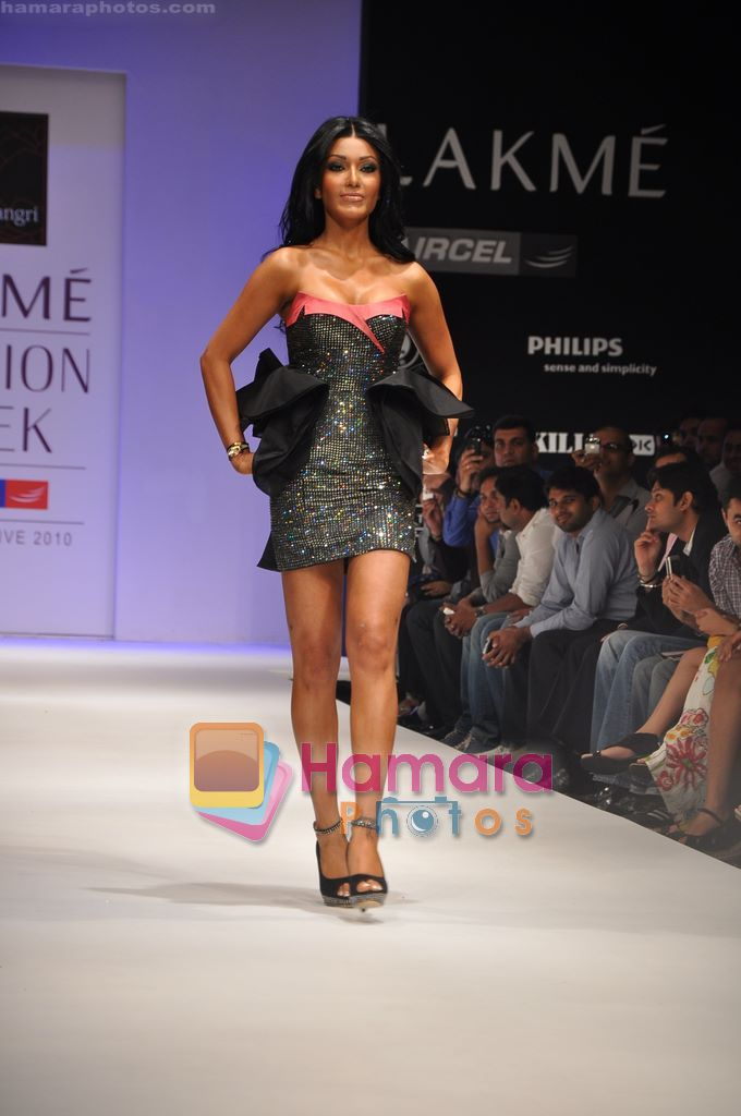 Koena Mitra walks the ramp for Rajat Tangri Show at Lakme Winter fashion week day 3 on 19th Sept 2010