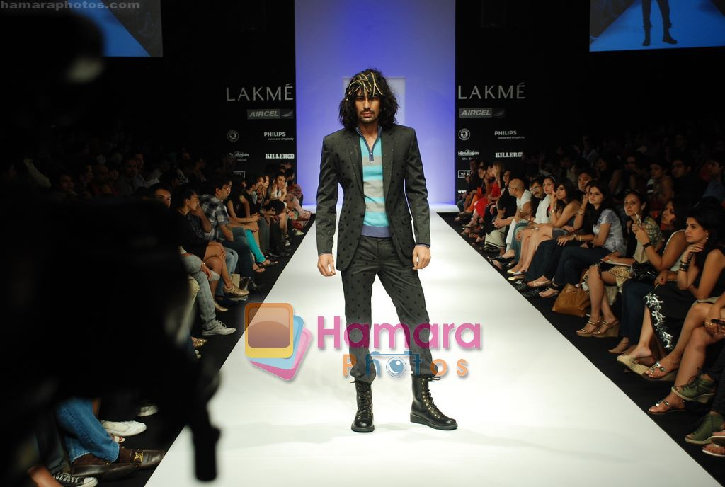 Model walks the ramp for Sanjay Hingu Show at Lakme Winter fashion week day 3 on 19th Sept 2010