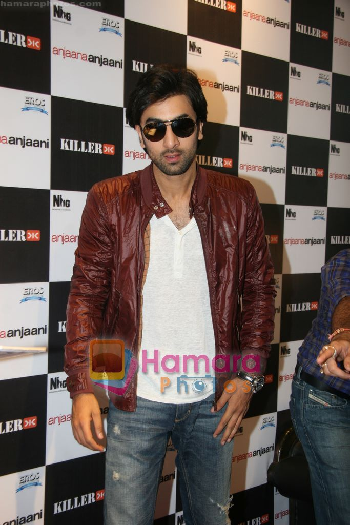 Ranbir Kapoor promote Anjaani Anjaani in Killer Store on 19th Sept 2010