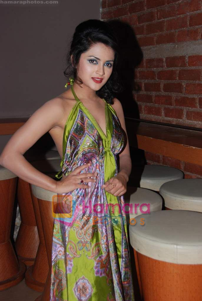Ramnita Chaudhry at Overtime film Mahurat in Marimba Lounge on 6th Dec 2010