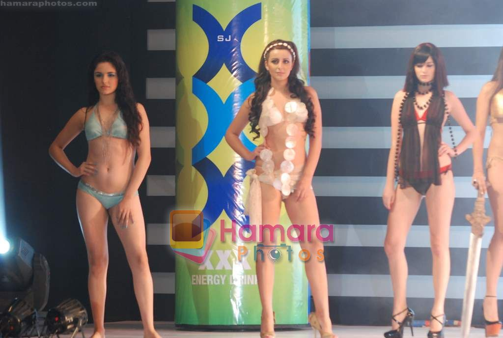 at the launch of fat burner XXX energy drink in Grand Hyatt on 23rd Dec 2010