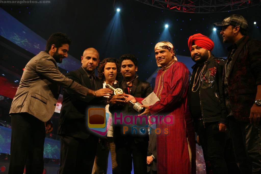 Vishal Dadlani, Shekhar Ravjiani, Daler Mehandi, Suresh Wadkar at SA RE GA MA PA finals in Andheri Sports Complex on 26th Dec 2010