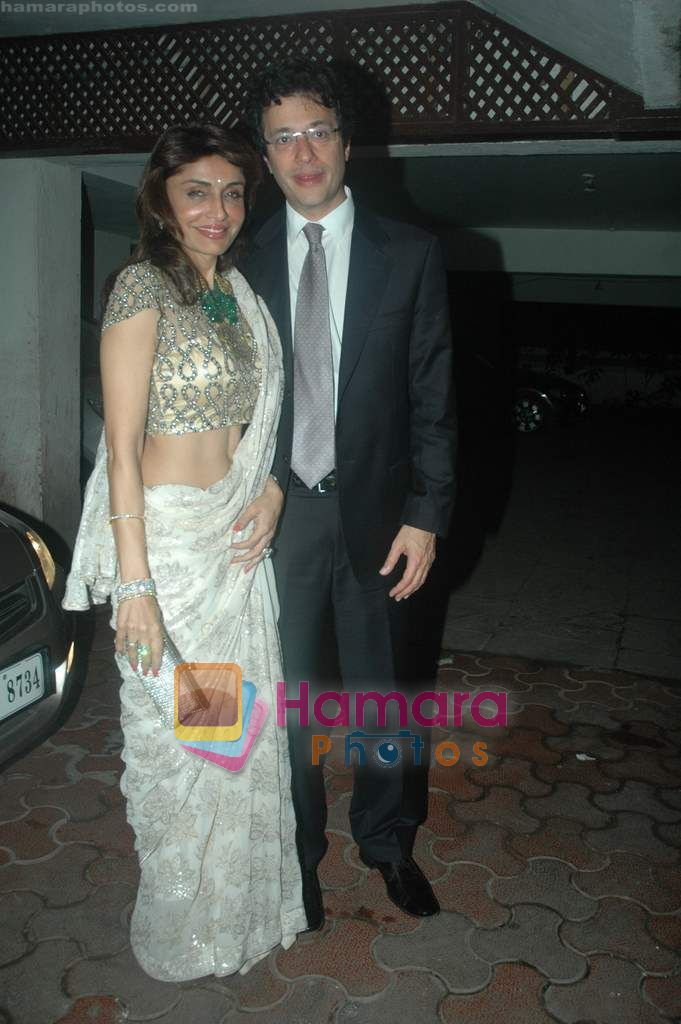 Queenie Dhody at Farah Ali Khan's bday bash in Juhu on 27th Dec 2010