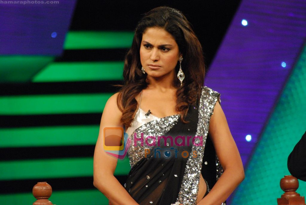 Veena Malik on the sets of Big Boss on 27th Dec 2010