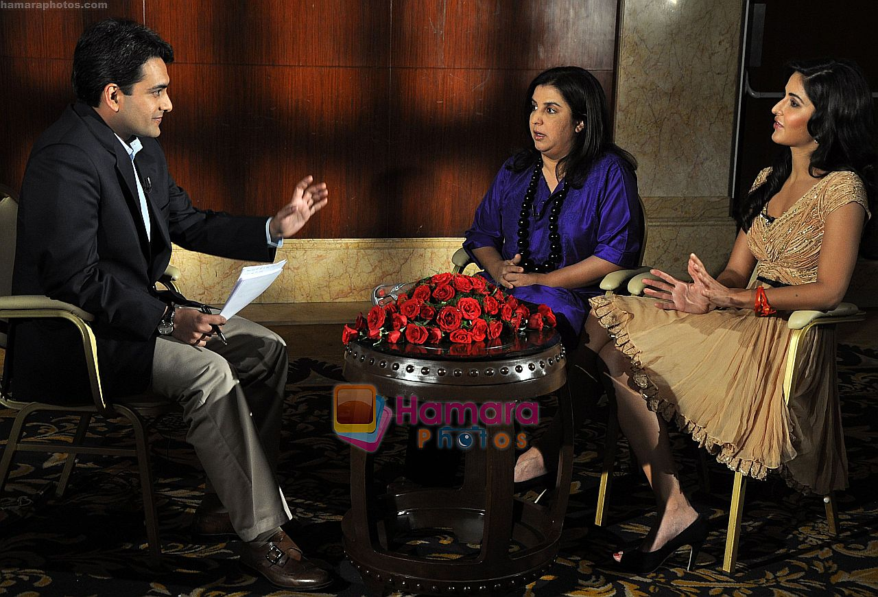 Katrina Kaif, Farah Khan at an interview with Live India's CEO, Mr Sudhir Chaudhary on 27th Dec 2010