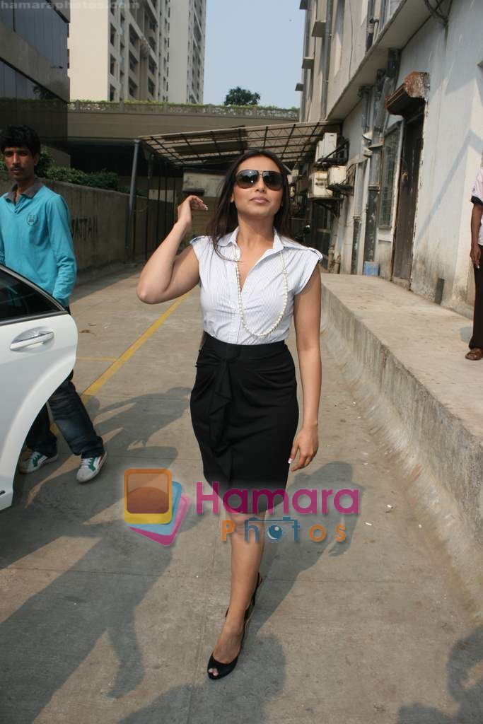 Rani Mukherjee at Radio Mirchi in Lower Parel, Mumbai on 28th Dec 2010