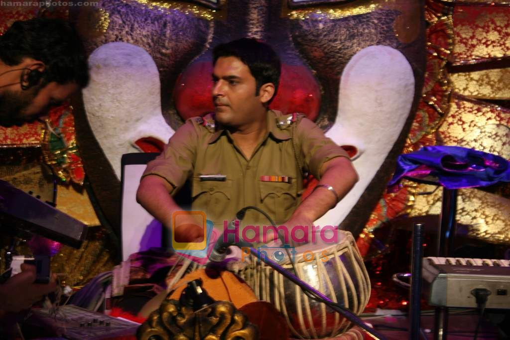 Kapil Sharma at Comedy Circus new season on location in Andheri on 28th Dec 2010
