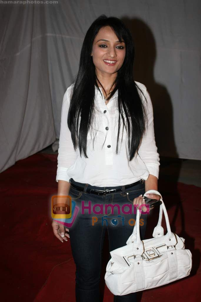Arshie at Romi Anand bash in Andheri on 28th Dec 2010