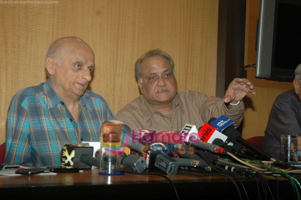 Mukesh Bhatt at Producers Guild meet in Sun N Sand, Mumbai on 28th Dec 2010