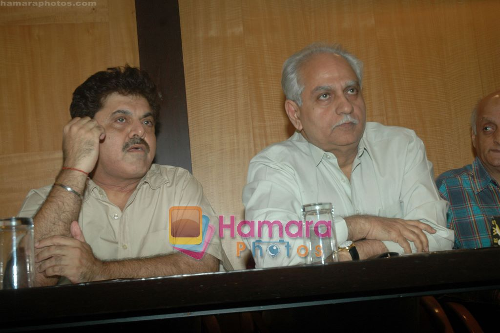 Ramesh Sippy at Producers Guild meet in Sun N Sand, Mumbai on 28th Dec 2010