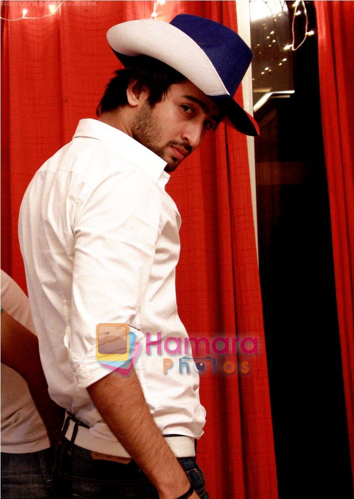 at Smilie Suri's Christmas Party in Shaheer Sheikh's Place on 30th Dec 2010-1
