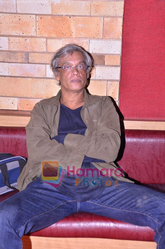 Sudhir Mishra at Turning 30 bash in Red Ant Cafe, Mumbai on 12th Jan 2011