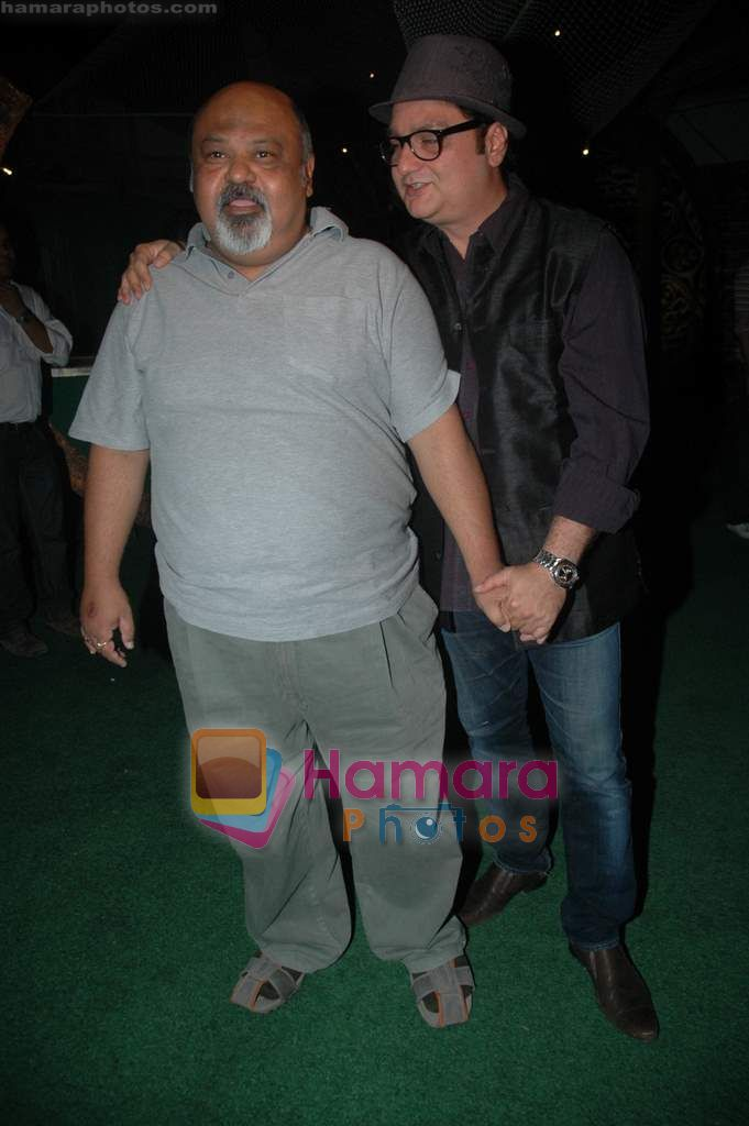 Vinay Pathak at Tere Mere Phere film launch in Dockyard on 12th Jan 2011