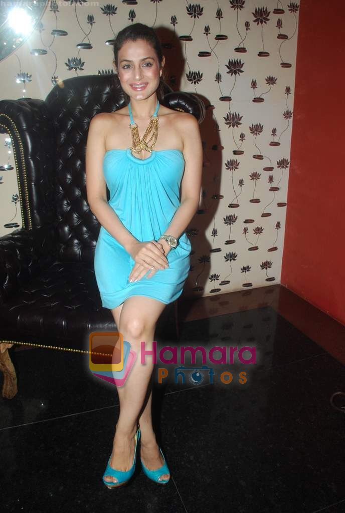 Amisha Patel at Ashmit Patel's birthday bash in Veda on 13th Jan 2011