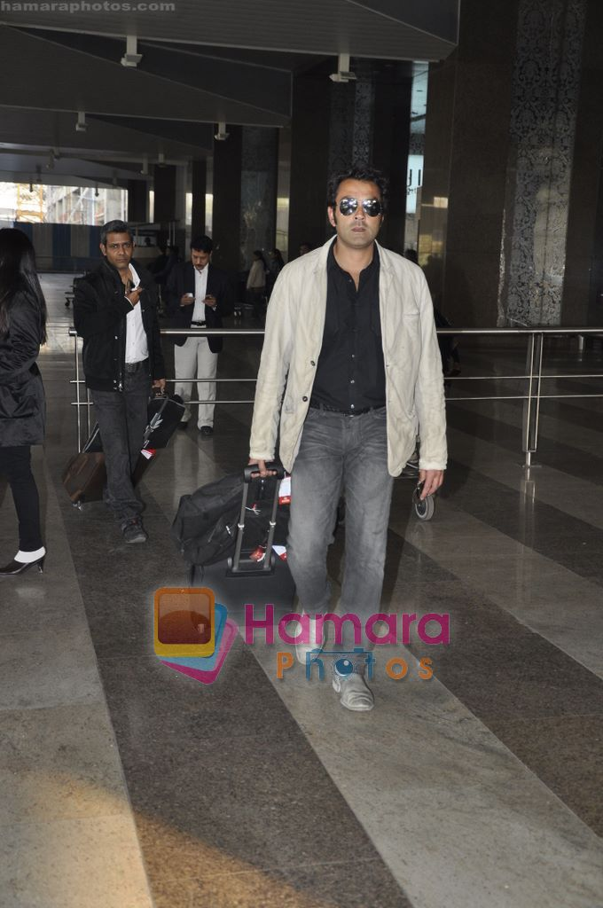 Bobby Deol returns from YPD delhi promotions in Airport, Mumbai on 14th Jan 2011