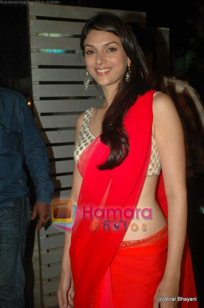 Aditi Rao Hydari at Yeh Saali Zindagi music launch in Marimba Lounge on 13th Jan 2011